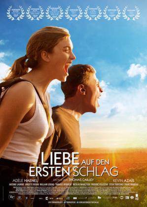 Filmplakat von Liebe auf den ersten Schlag